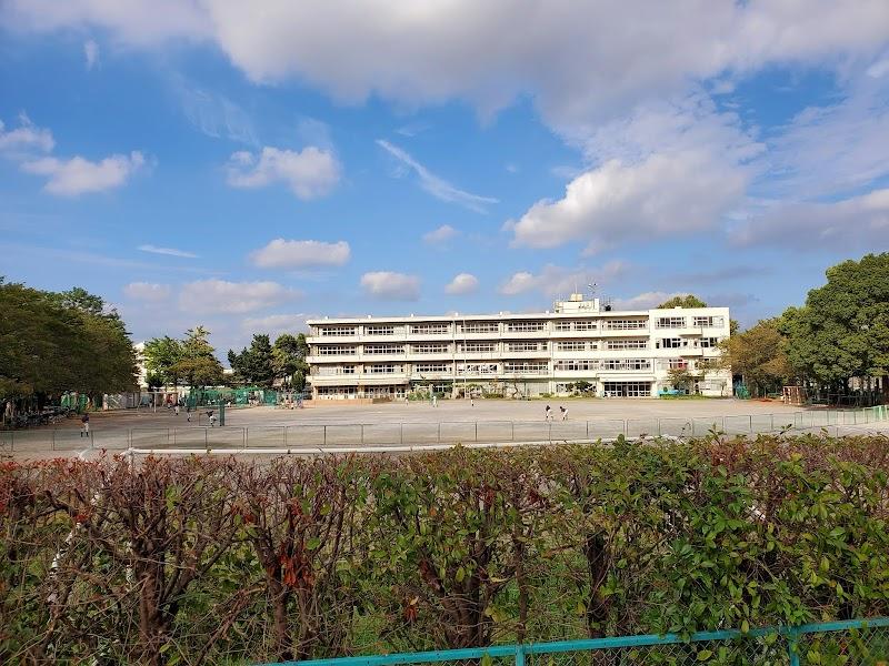 中学校 大門