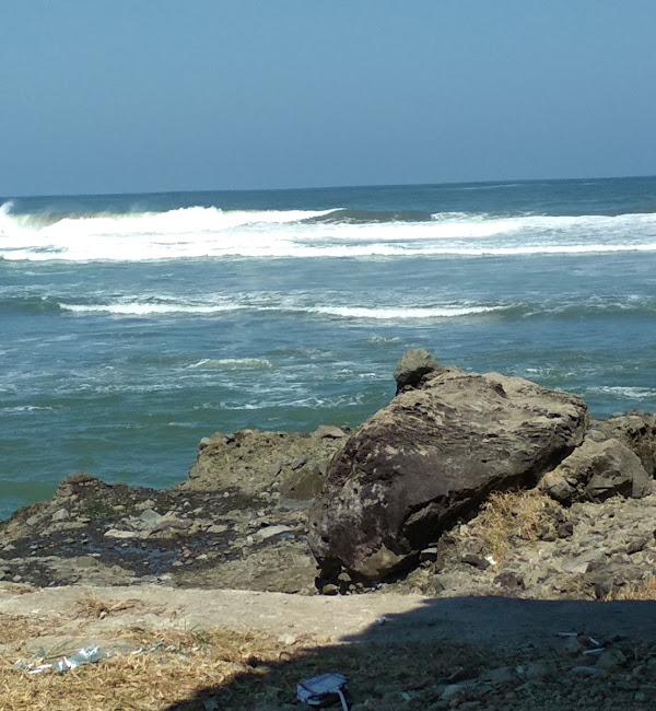 Pantai Karangbolong