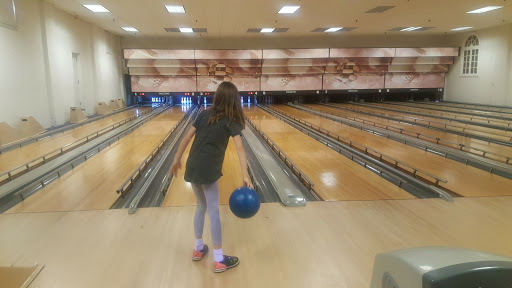 Bowling Alley «Wilmette Bowling Center Inc», reviews and photos