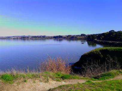 Pinole Shores Park