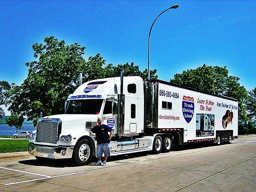 Interstate Truck Driving School, 499 Villaume Ave, South St Paul, MN 55075, Trucking School