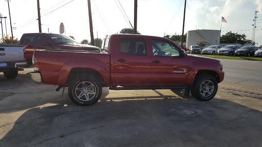 Car Dealer «Traditions Chevrolet», reviews and photos
