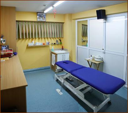 imagen de masajista Centro de Masaje y Rehabilitación ADHER