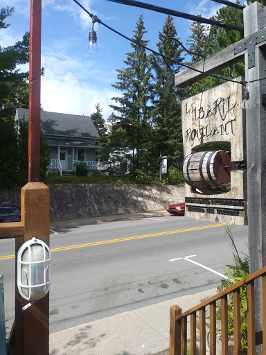 Brewery Pub - Microbrasserie Le Baril Roulant in Val-David (QC)   CanaGuide