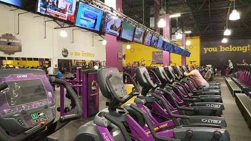 Gym Planet Fitness Reviews And Photos 301 Oyster Point Rd Newport News Va 23602