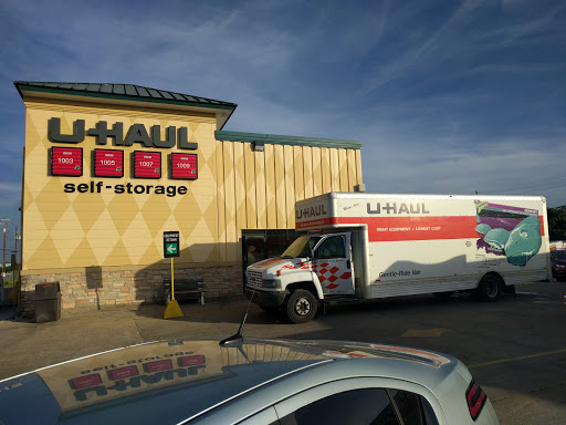 Truck Rental Agency «U-Haul Moving & Storage at Ben White», reviews and photos