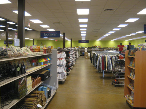 Goodwill Store & Donation Center, 555 Maine Mall Rd, South Portland, ME 04106, Thrift Store