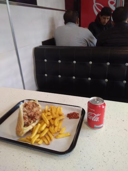 photo du restaurant Sandwicherie à Mantes-la-Jolie