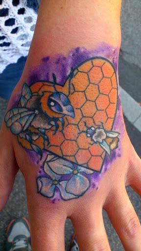 Pitbull tattoo pub