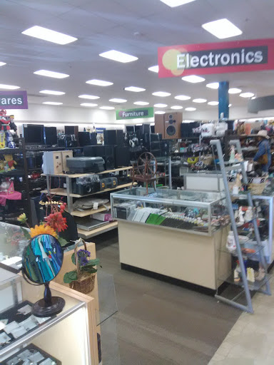 thrift store discover goodwill north retail store reviews and photos