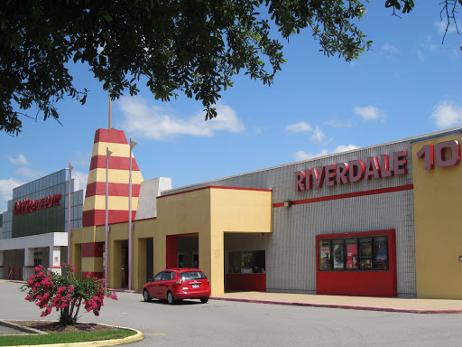 Movie Theater «Riverdale 10 VIP Cinema», reviews and photos, 2600 Cantrell Rd, Little Rock, AR 72202, USA