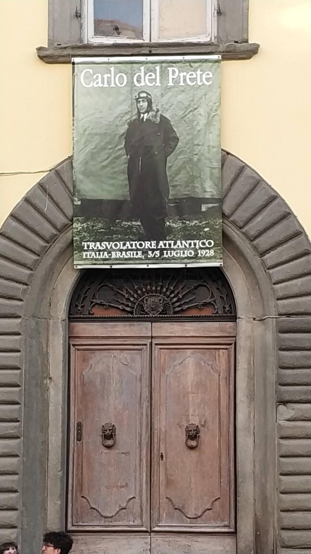 Targa dedicata allaviatore Carlo Del Prete