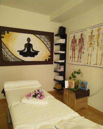 imagen de masajista Tausch Therapéutic Center