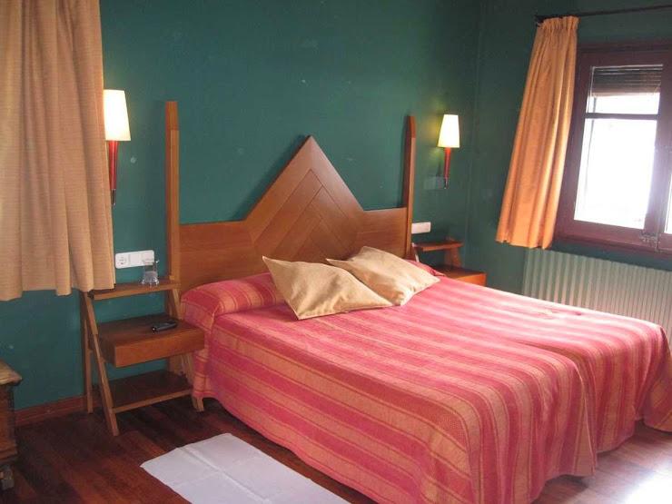 Hotel Vall Ferrera calle de Martí, 1, 25575 Áreu, Lérida