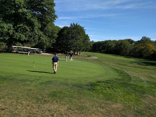 Golf Course «Robert T. Lynch Municipal Golf Course», reviews and photos, 1281 W Roxbury Pkwy, Chestnut Hill, MA 02467, USA
