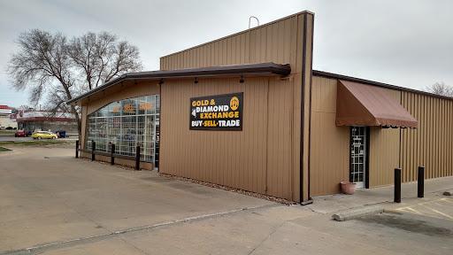 Family Pawn Store, 2805 W Broadway Blvd, Sedalia, MO 65301, Loan Agency
