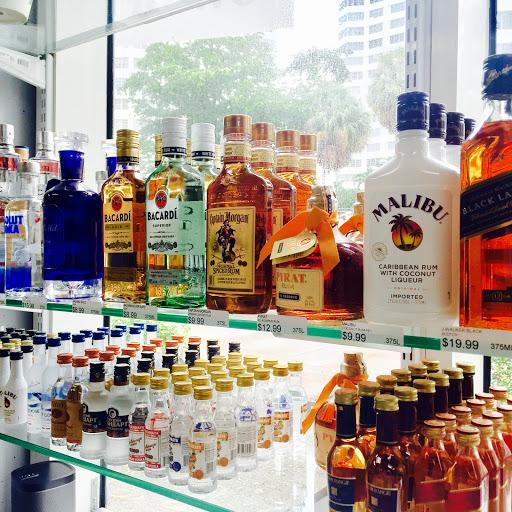 Liquor Store «Brickell Wine Bank», reviews and photos, 950 Brickell Bay Dr #110, Miami, FL 33131, USA