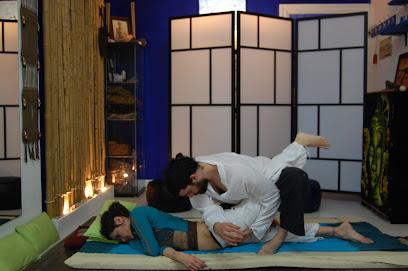 imagen de masajista NUAD THAI - Centro de Masaje y Pilates en Torre del Mar