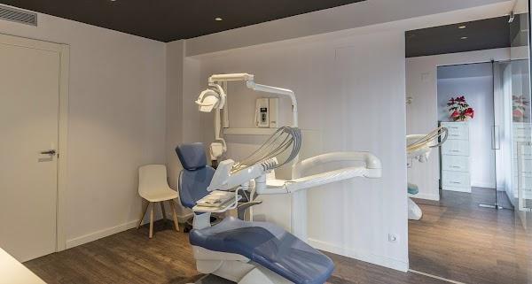 Clínica Dental AA Inglán