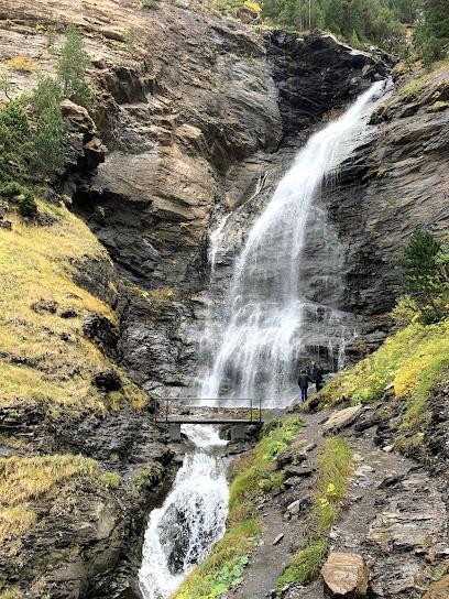 Waterfall Ardones