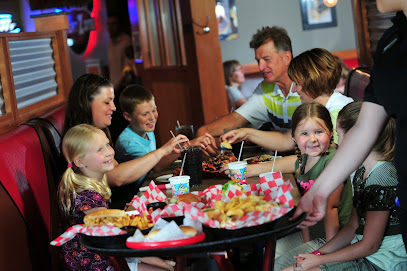 experience-wisdells-where-to-eat-monks-bar-and-grill