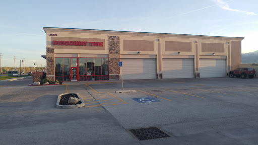 Tire Shop «Discount Tire Store - W Valley City, UT», reviews and photos, 2999 S Glen Eagle Dr, West Valley City, UT 84128, USA