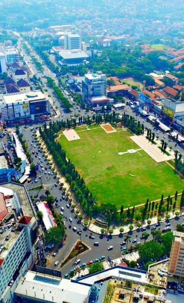 Kawasan Simpang Lima Semarang
