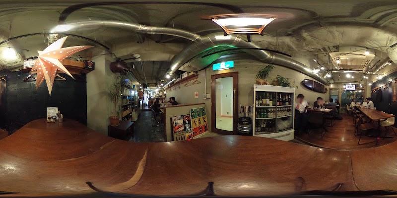 キャリフォルニア 新宿東口店