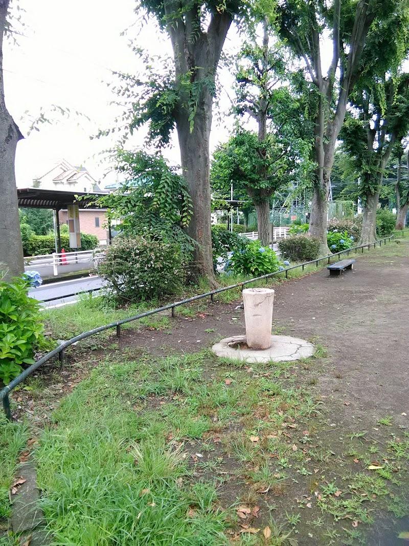 近く の トイレ の ある 公園