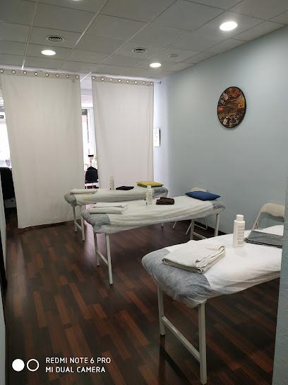 imagen de masajista CER TERRASSA (Academia de masajes y terapias)