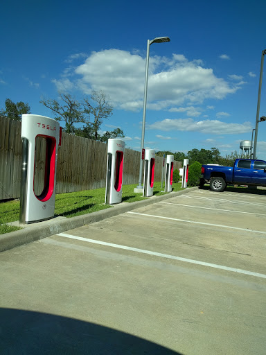 Electric Vehicle Charging Station «Tesla Supercharger Channelview», reviews and photos