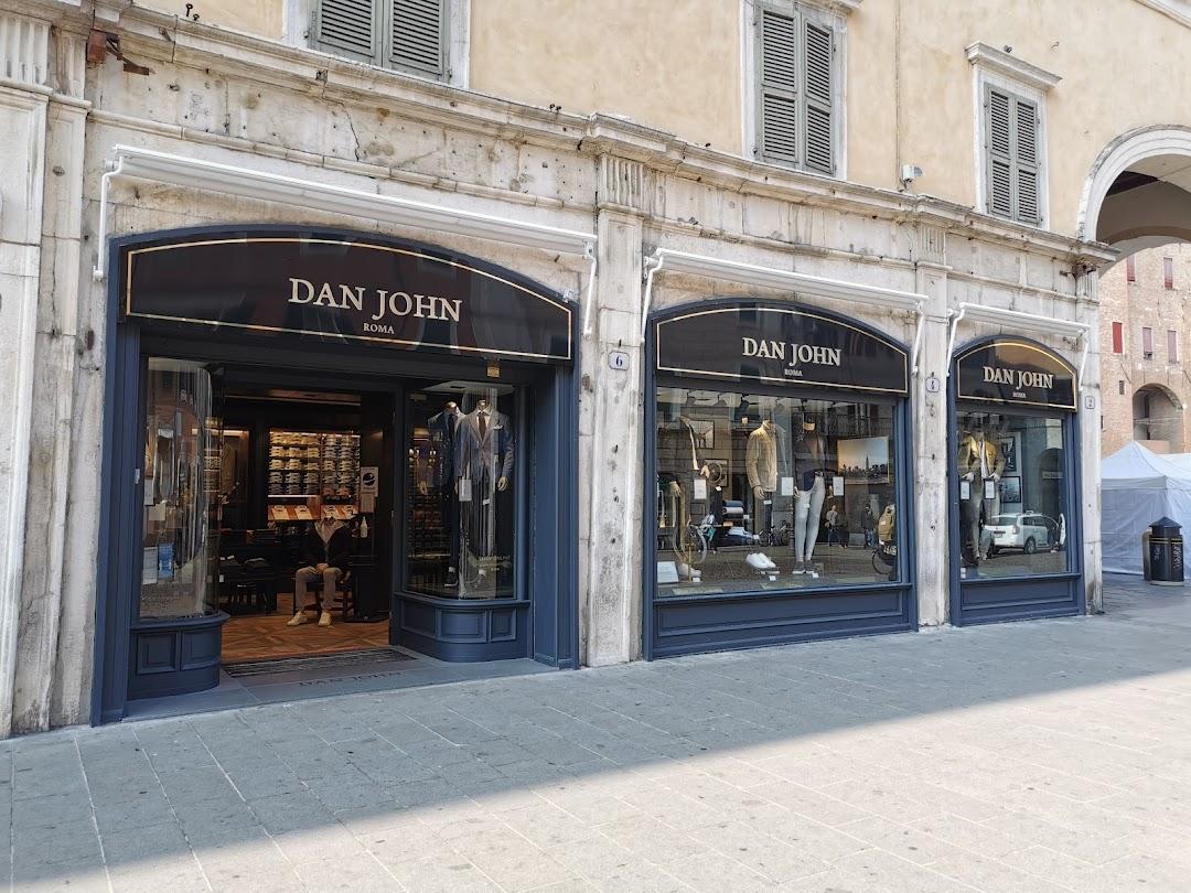 Dan John Ferrara - Piazza Trento e Trieste