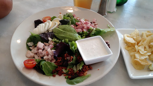 Bistro «The Dienger Trading Co», reviews and photos, 210 N Main St, Boerne, TX 78006, USA