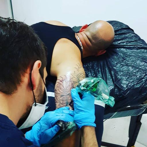 Ganesh Tattoo, Studio Tatuaggio e Piercing, Rivenditore Autorizzato di Cannabis Legale Salento