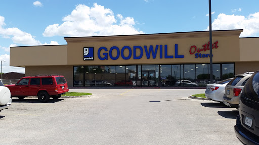 Thrift Store «Goodwill outlet», reviews and photos, 6345 SE 14th St, Des Moines, IA 50320, USA
