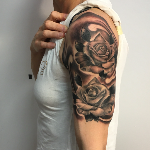 Nilo tattooer ARTFACTORY