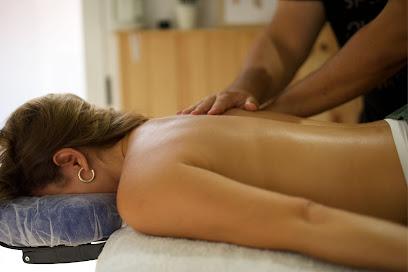 imagen de masajista Balsámica centro de masaje