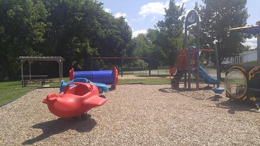 Park Parc Henri-Dunant in Cowansville (QC) | CanaGuide