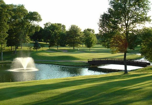 Country Club «Lake Forest Golf & Country Clb», reviews and photos, 300 Yard Dr, Lake St Louis, MO 63367, USA