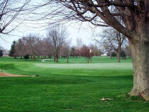 Golf Course «Tipton Municipal Golf Course», reviews and photos, 2211 Golf Course Rd, Tipton, IN 46072, USA