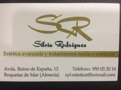 imagen de masajista SR Centro Medico- estético Silvia