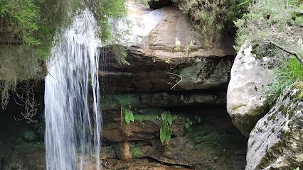 Cascada y Cueva del Arroyo Lechoso