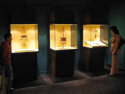 Treasure Museum Guarrazar - Guadamur