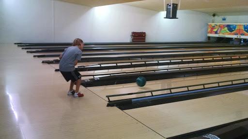 Bowling Alley «Pike Lanes Bowling Inc», reviews and photos, 121 2nd St Pike, Southampton, PA 18966, USA