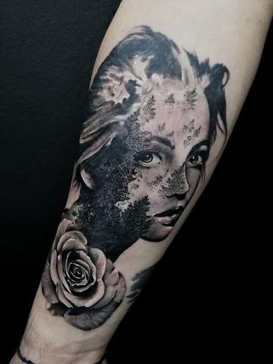 Sole nero tattoostudio