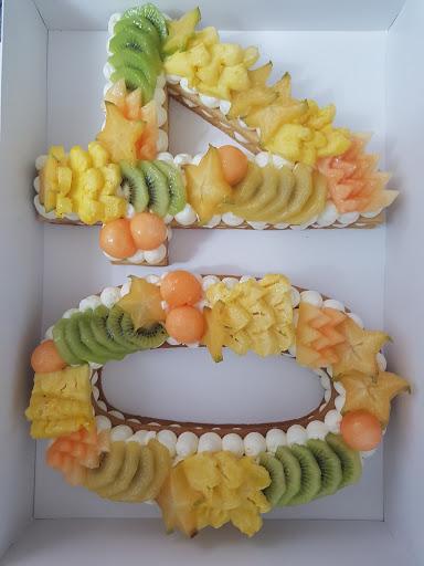 סוויטוש קייטרינג חלבי במרכז,עוגות מבצק סוכר,עוגות מיוחדות,עוגות יום הולדת,עוגיות,מגשי אירוח מומלץ