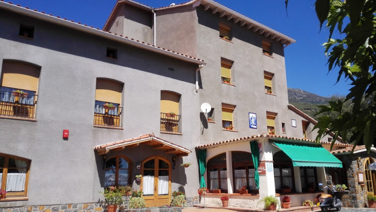 HOSTAL MONTSERRAT Passeig de la Font, 13, 08469 Montseny, Barcelona