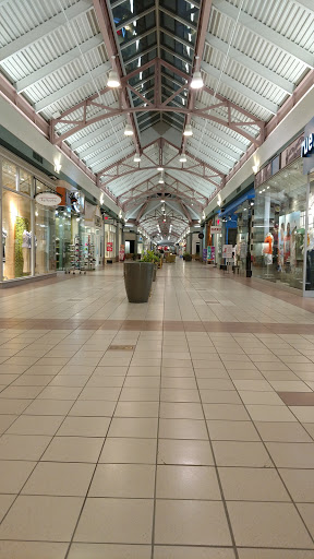 Shopping Mall «Steeplegate Mall», reviews and photos, 270 Loudon Rd, Concord, NH 03301, USA