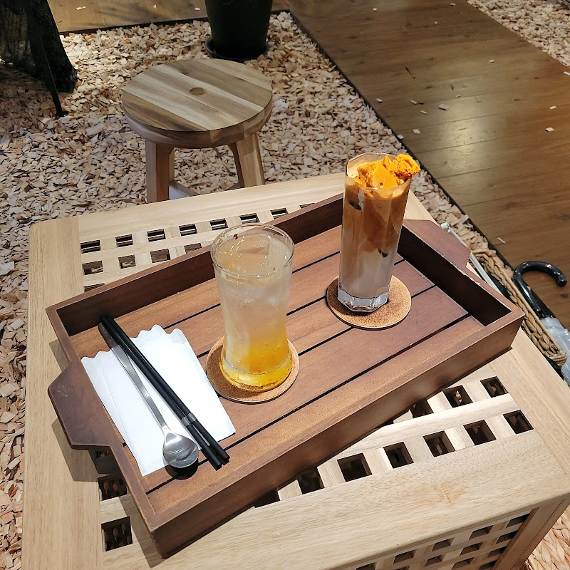 Cafe+82