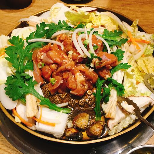 十曜府韓式火鍋烤肉專賣